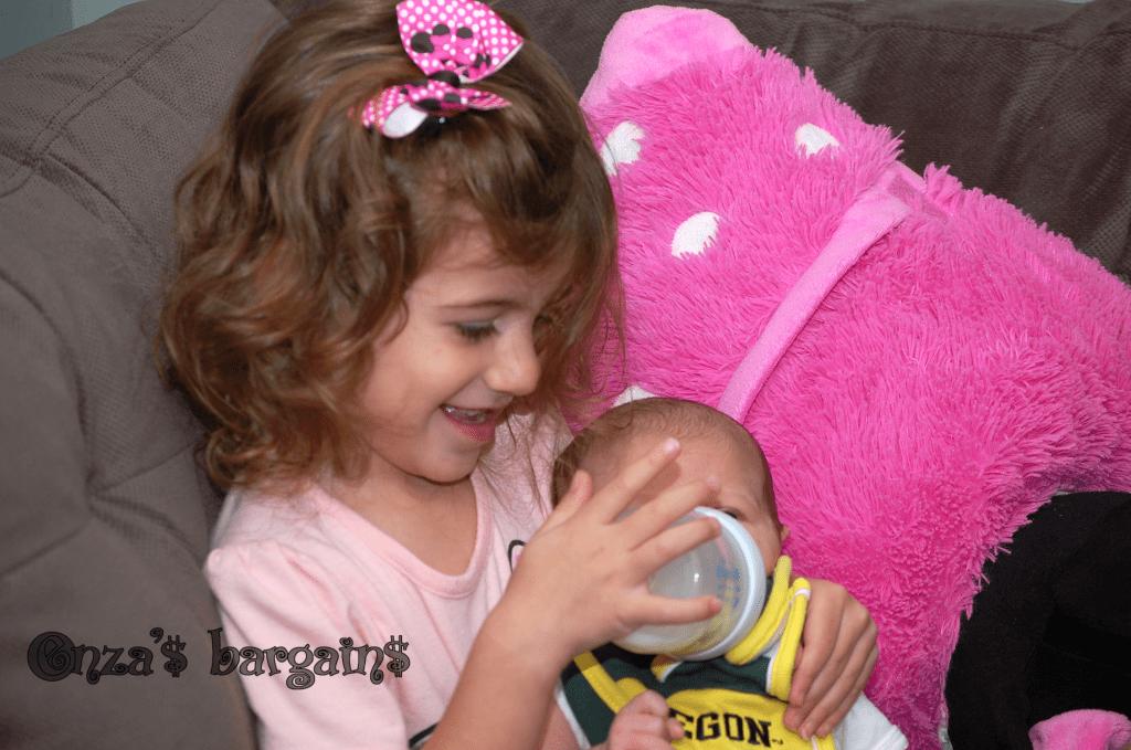 Elissa-feeding-Chloe