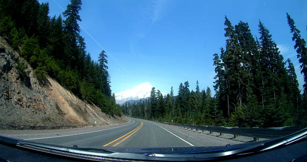 Activeon DX Dashboard Mount Picture of Mount Hood