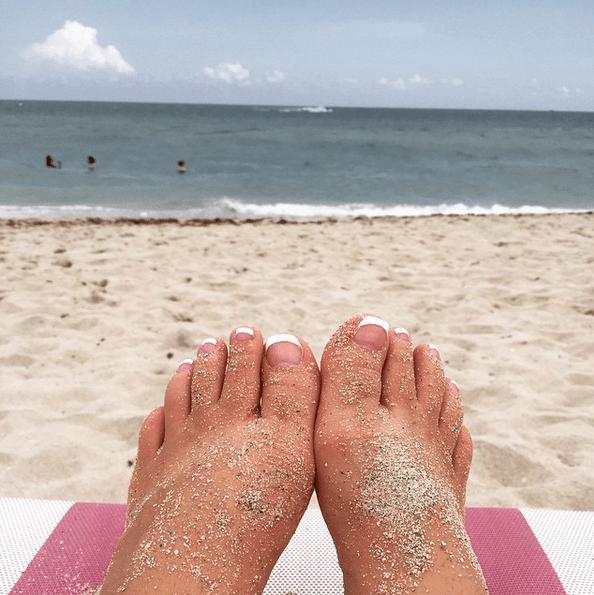 Grace & Stella - Luxury Pedicure Foot Peeling Mask