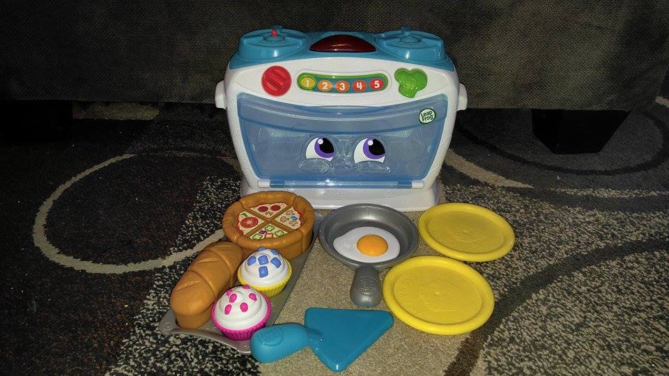 Leap Frog's Number Lovin' Oven - EB Holiday Gift Guide