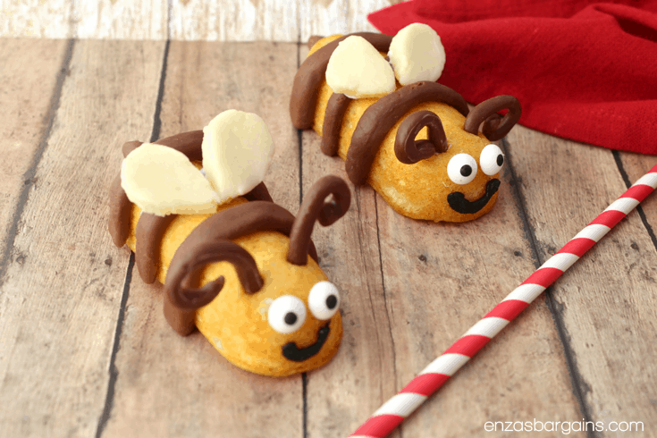 Bee Themed Food - Honey Bee Mine Valentines Cakes