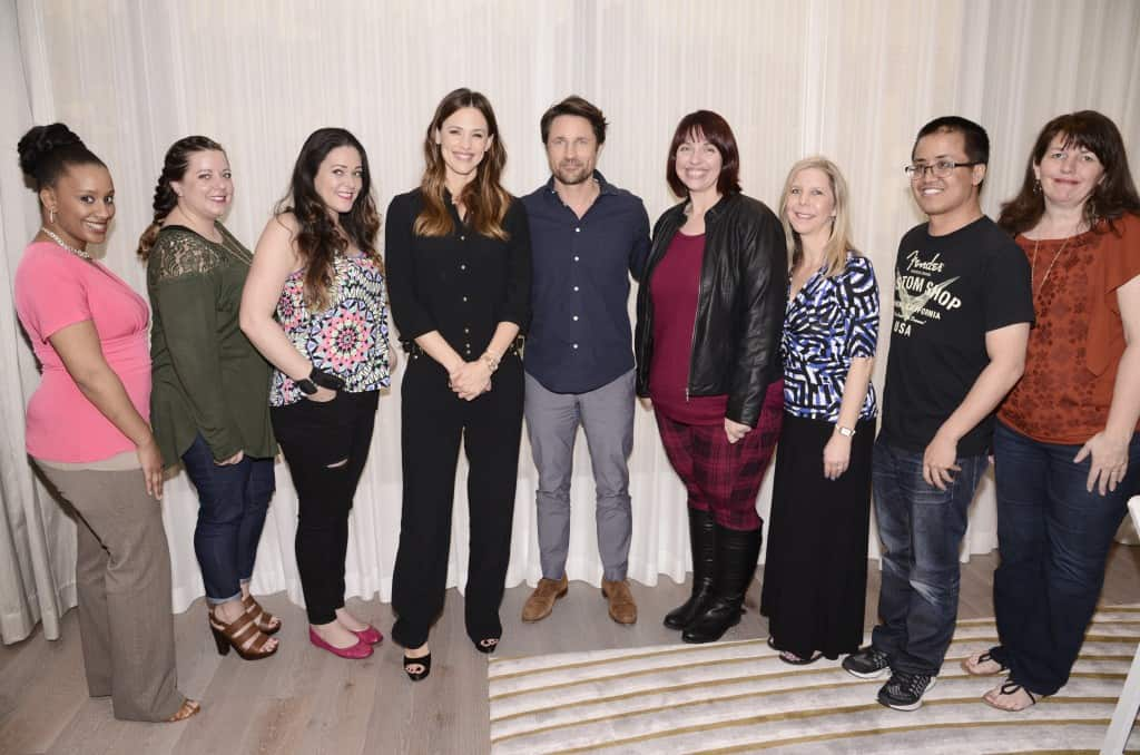 """Miracles From Heaven Interviews : The Cast! WEST HOLLYWOOD, CA - March 4th 2016 Jennifer Garner and Martin Henderson seen at Columbia Pictures """"Miracles From Heaven"""" Photo Call at The London"""