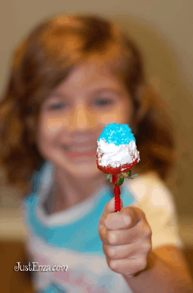 4th of July: Red, White & Blue Strawberries Recipe