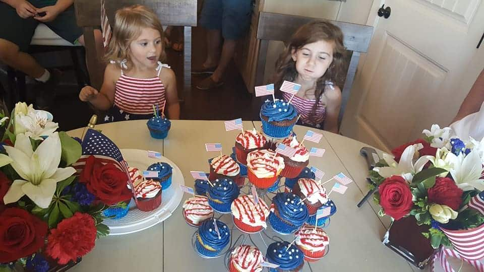 American Themed Birthday Party - Cupcakes
