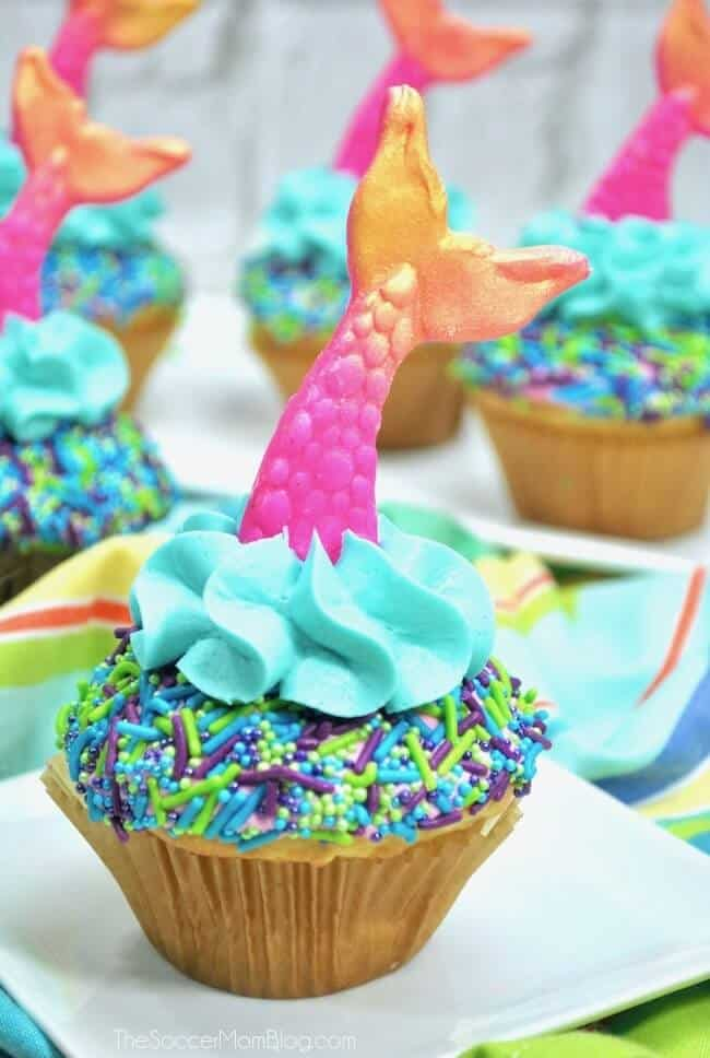 https://thesoccermomblog.com/easy-mermaid-cupcakes/