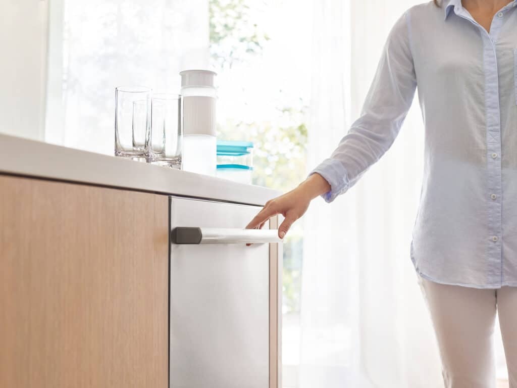 Bosch 800 Series - Washing Dishes No Longer Has to be a Pain!