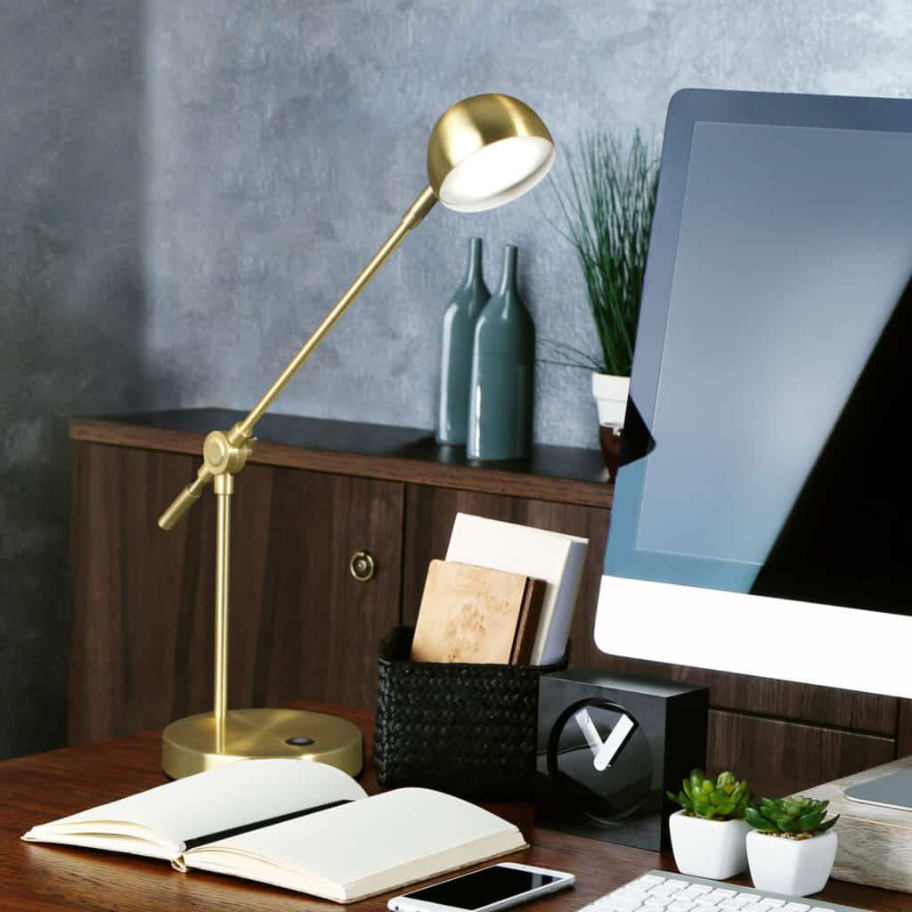OttLite Direct LED Desk Lamp Review - 2019 Holiday Gift Guide